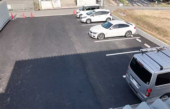 新社屋-駐車場